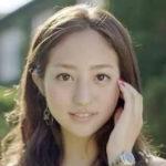 堀田茜の髪型はくせ毛?メイクや眉毛が昔と違う?